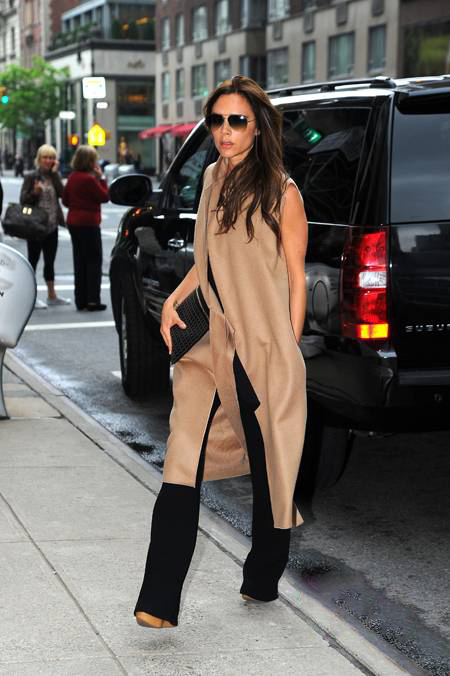 victoria-beckham-beige-sleeveless-coat-shopping(1)__oPt