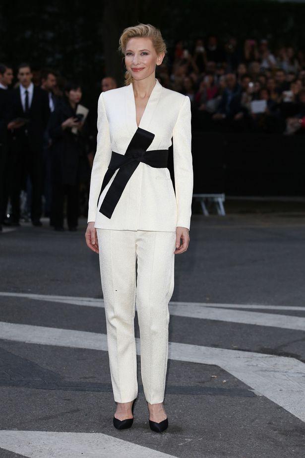 Cate-Blanchett-at-the-Giorgio-Armani-40th-Anniversary-in-Milan