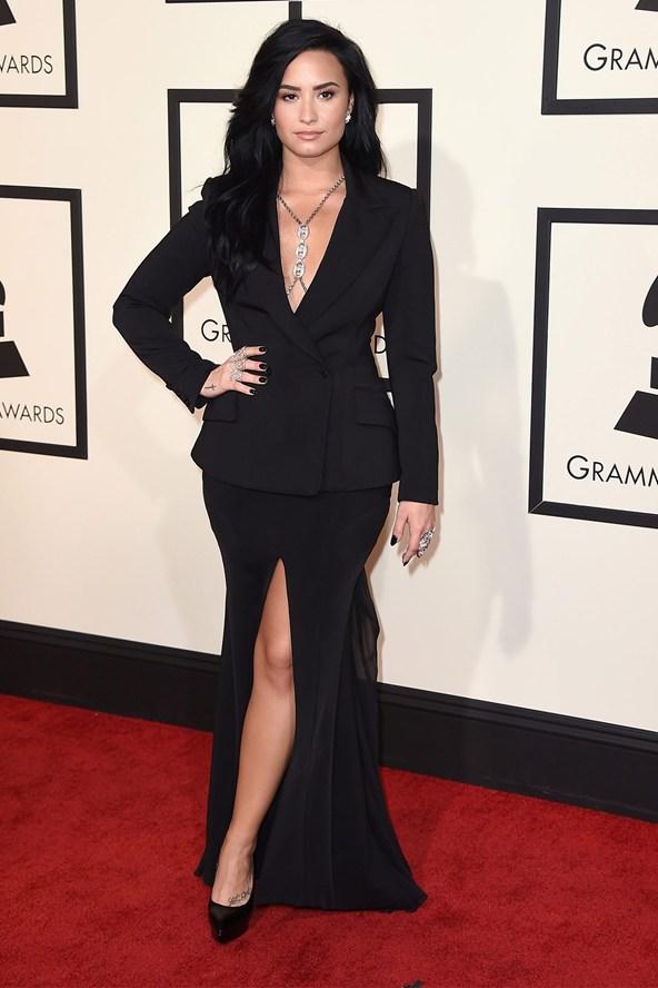 Demi-Lovato-Glamour-15Feb16-PA_b
